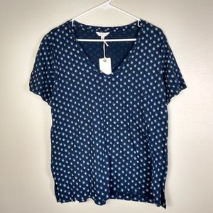 NWT Lucky Brand Tee Navy w Floral Pattern L
